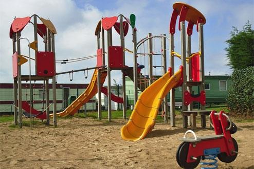 bungalowpark vuurtoren aan strand gelegen vakantiepark belgische kust